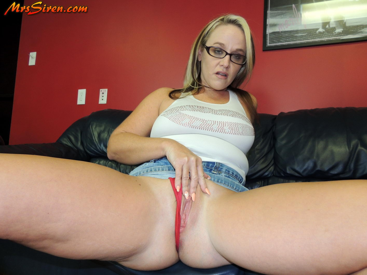 Asking 2 play with toy in bum amp pussy then using toy 8