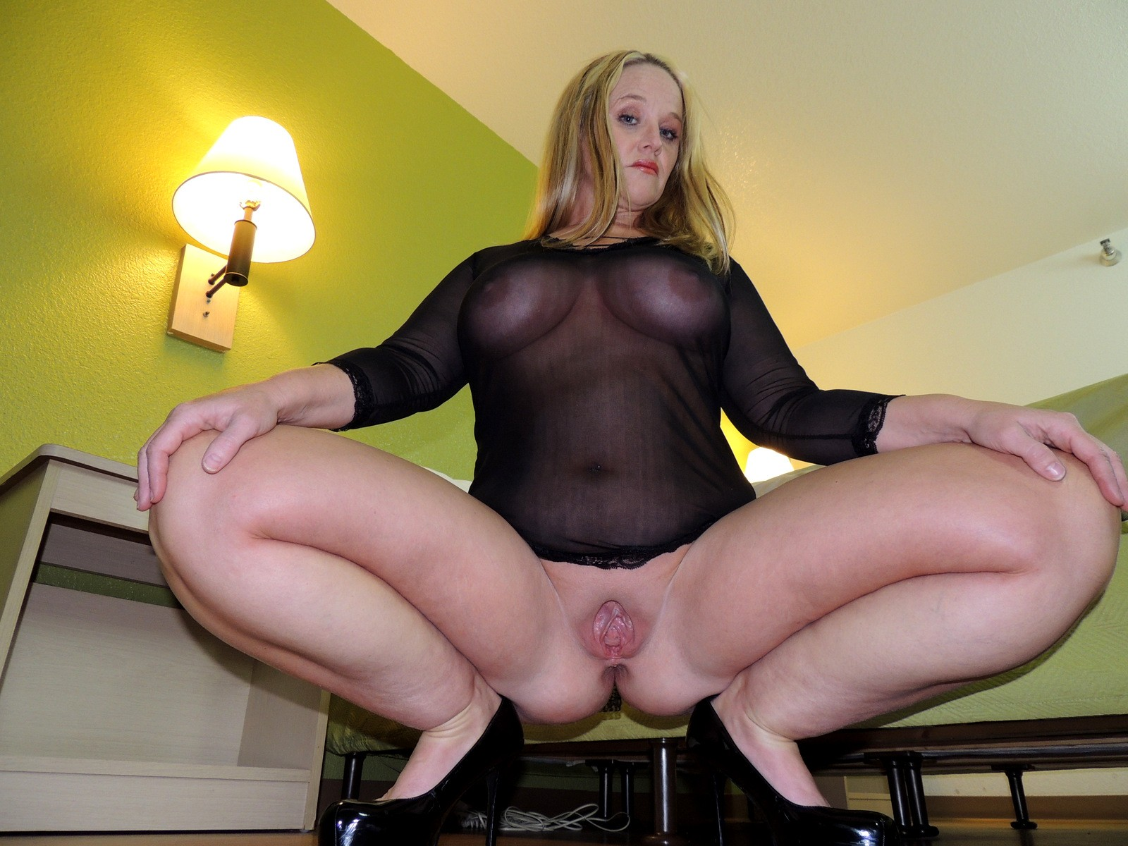 Pussy filled with hot wax 6