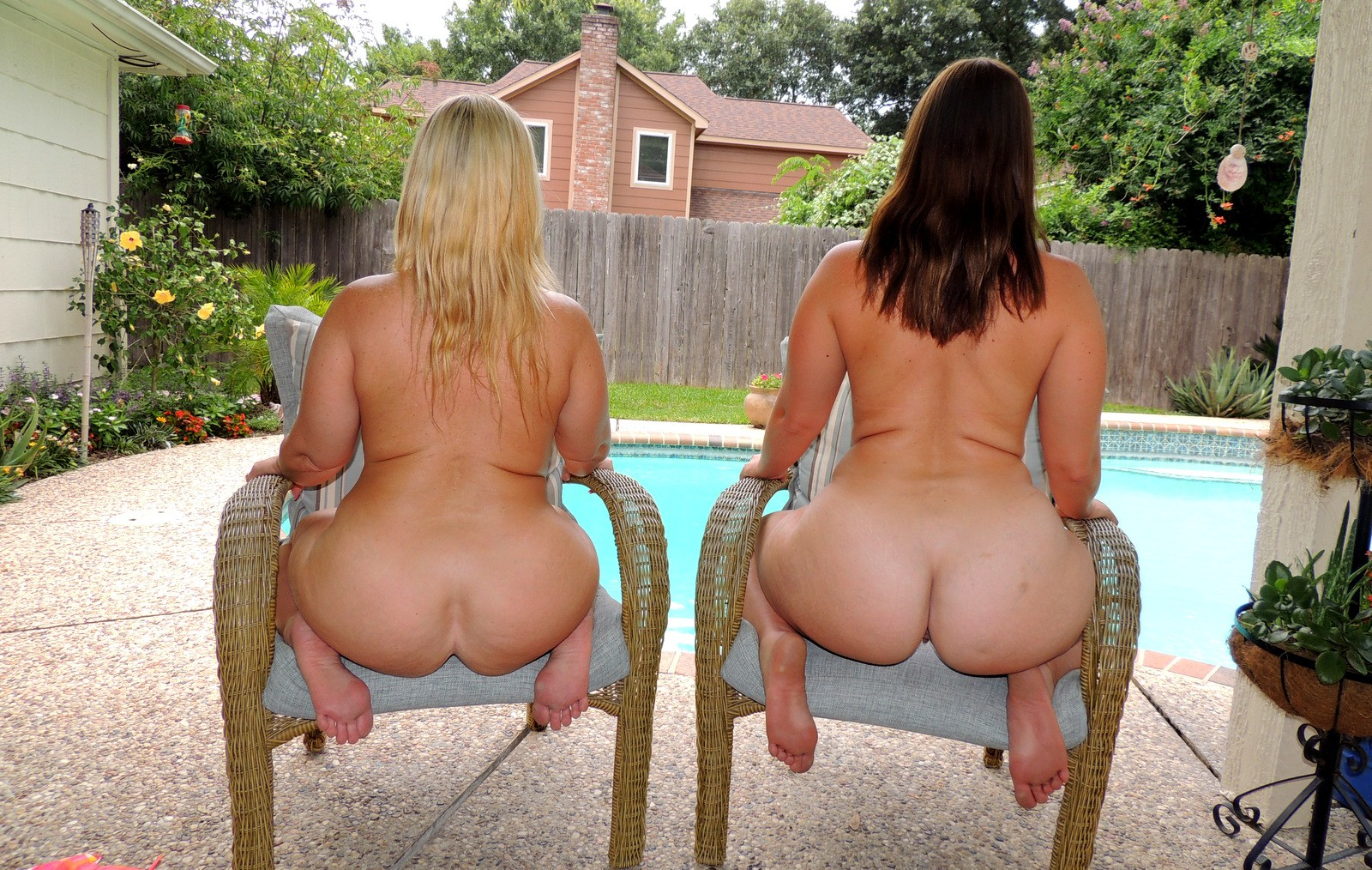 Naughty fun with two chubby girls 10