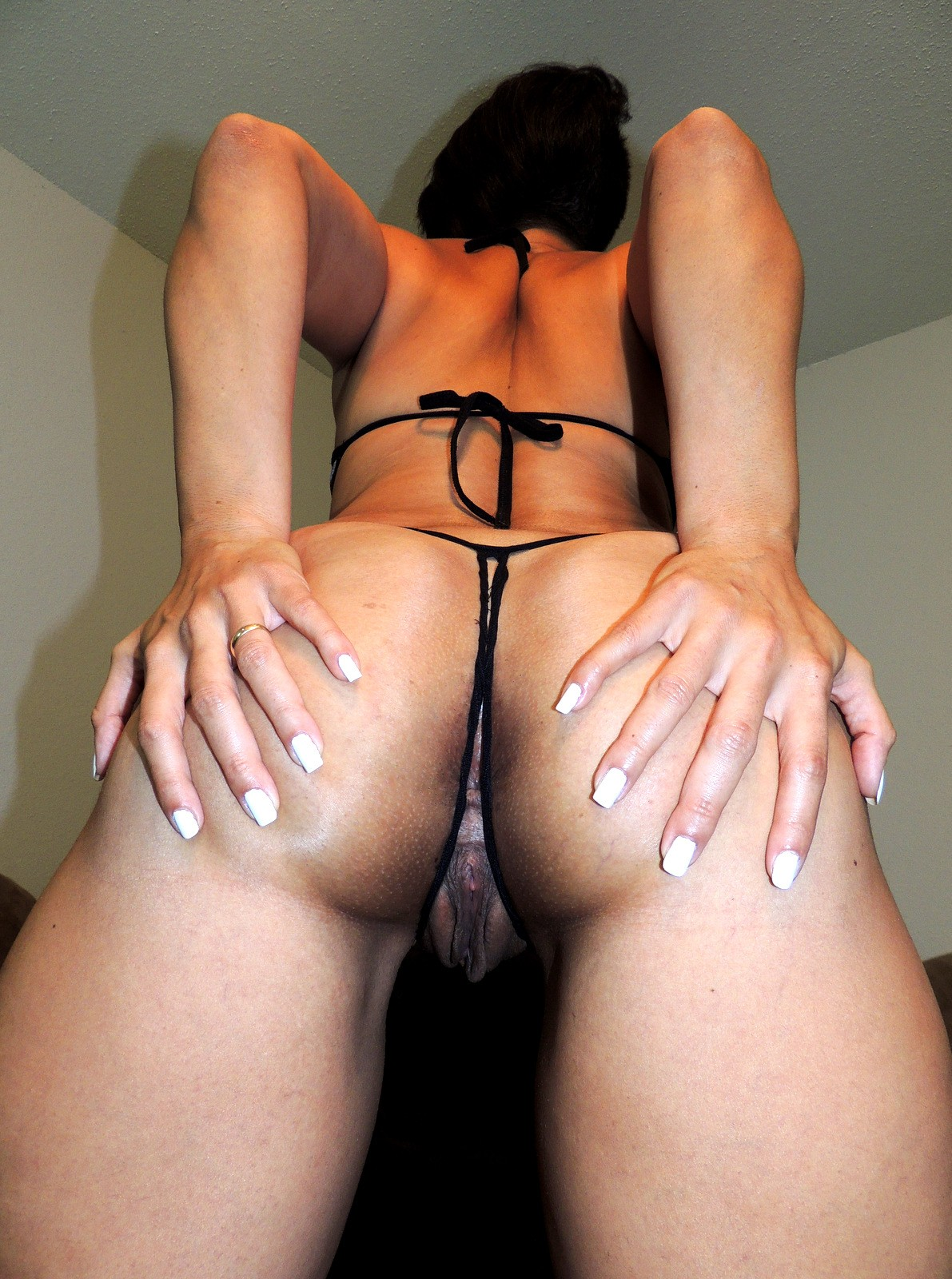 She loves being in control while she rides his cock - 1 1